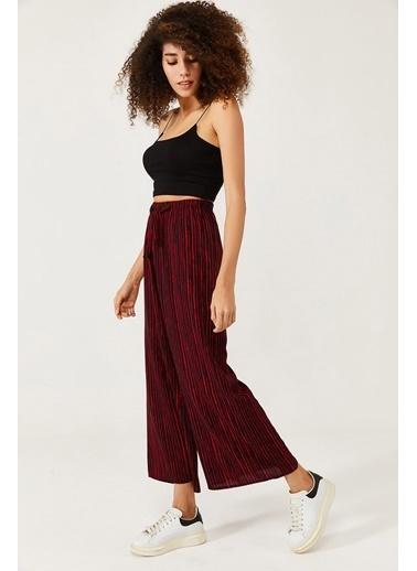 XHAN Beyaz & Siyah Beli Lastikli Kemerli Salaş Dokuma Pantolon 1Kxk5-44565-79 Kırmızı